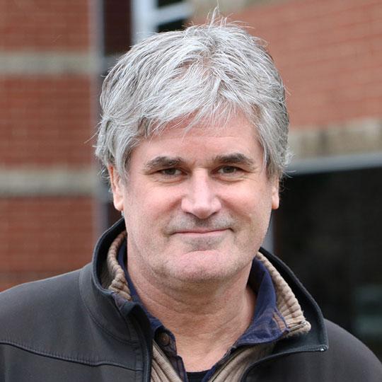 Headshot of Mat Krogulecki
